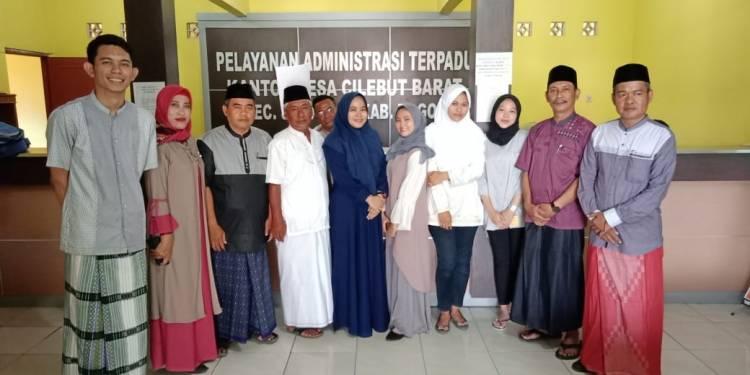 suasana ruang santri sehari  di kantor Desa Cilebut Barat Bogor